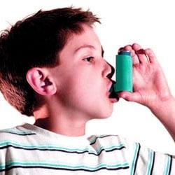 Une crise d'asthme entraine une gêne respiratoire